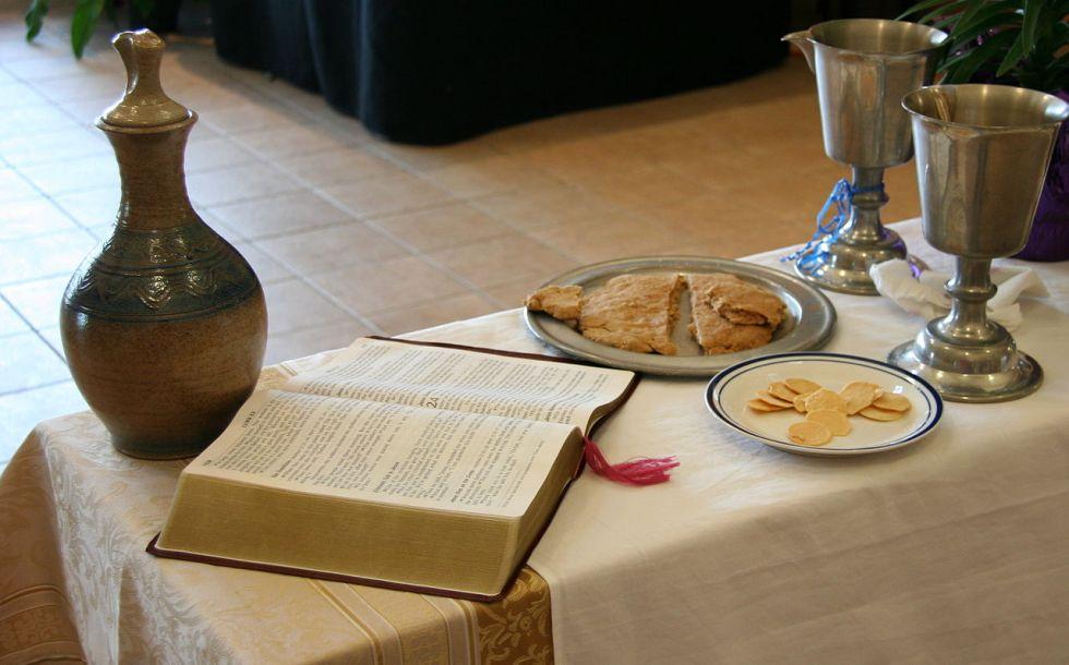 1280px-EucharistELCA.JPG