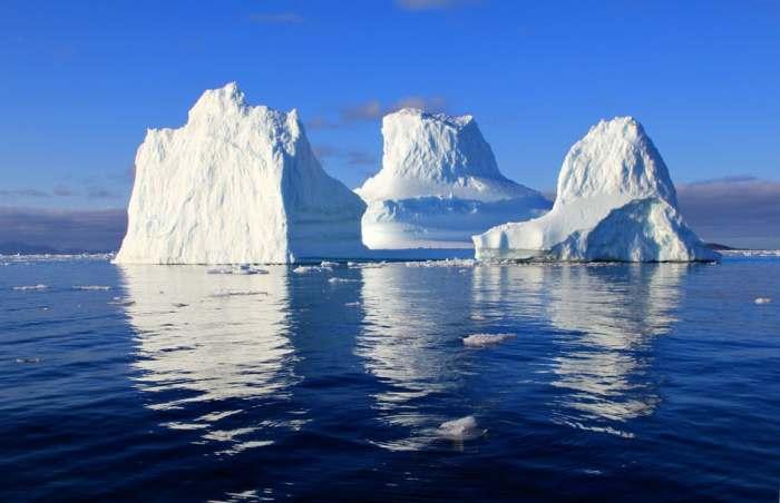 iceberg-water-sea-mirroring-48823