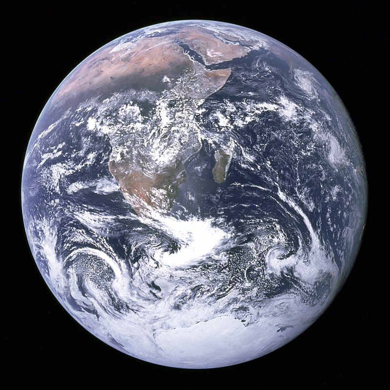 800px-The_Earth_seen_from_Apollo_17.jpg
