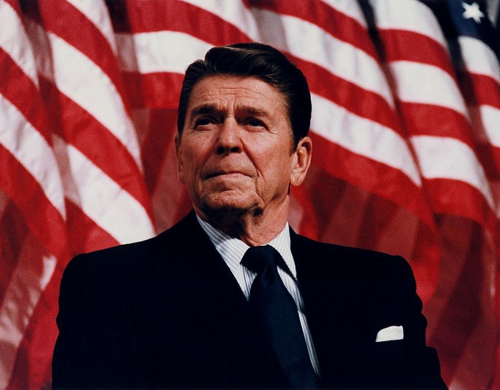 1024px-President_Reagan_speaking_in_Minneapolis_1982.jpg