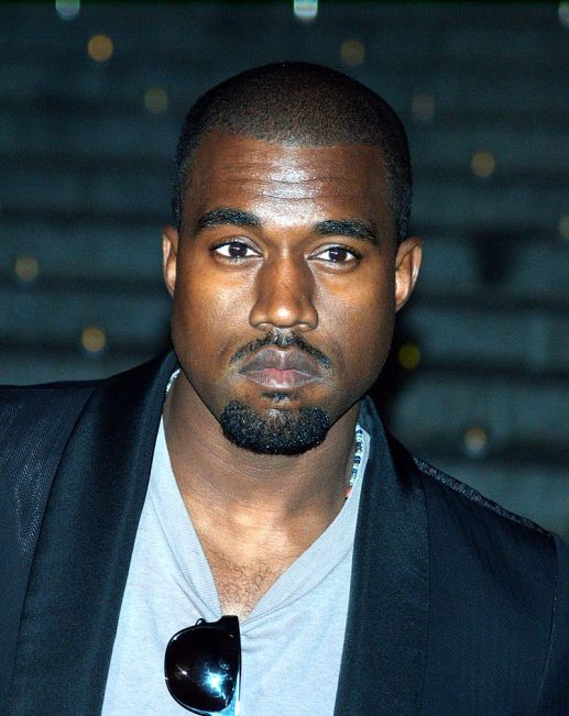 800px-Kanye_West_by_David_Shankbone_(3465084618).jpg