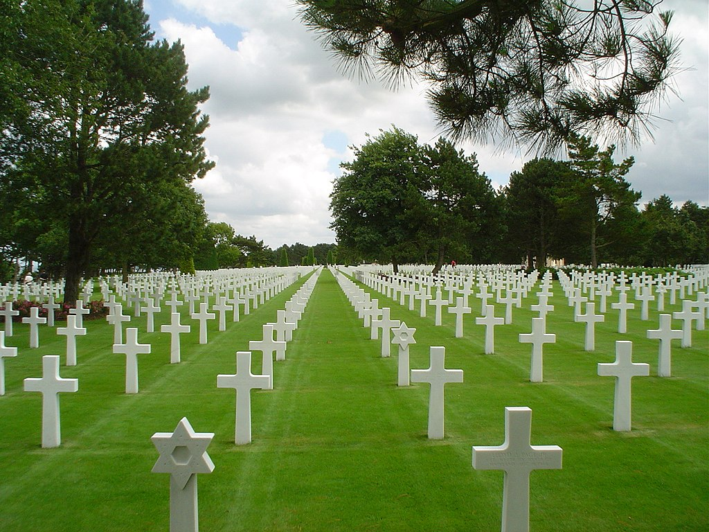 1024px-American_military_cemetery_2003.JPG