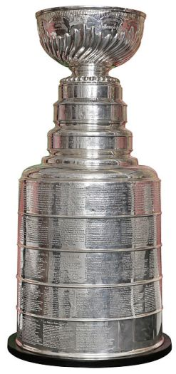 320px-Stanley_Cup,_2015-1.jpg
