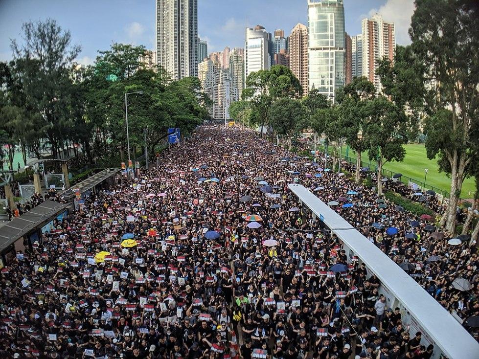 1024px-190616_HK_Protest_Incendo_03